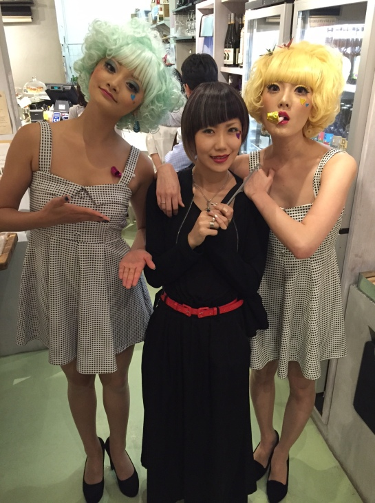 With ex-performers of the Takarazuka Revue Studio and hair and make up stylist Misa Ujii